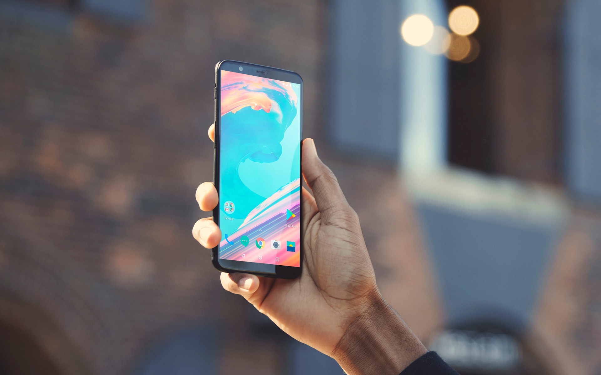 OnePlus 5T: New flagship has bigger screen and facial recognition